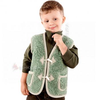 Детский жилет из овечьей шерсти. Зеленый