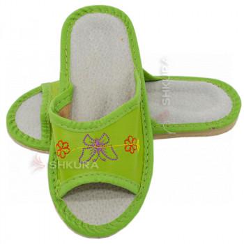 Кожаные тапочки для детей 05. Салатовые