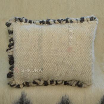 Подушка из овечьей шерсти 02
