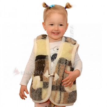 Детский жилет из овечьей шерсти. Коричневый