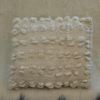 Подушка из овечьей шерсти 04